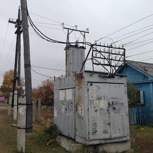 Power lines, Sovetskaya Ulitsa.